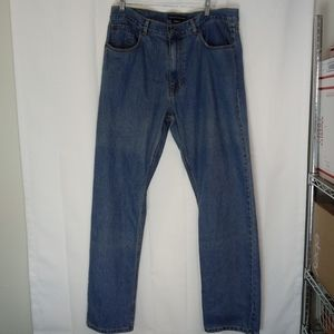 Tommy Hilfiger 37 x 34 1/2 Relaxed Fit Jeans